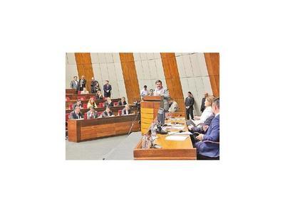 Llano dice que no se debe contemplar suba de salarios