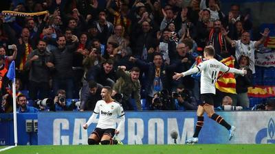 Valencia aprovecha localía y vence al pretencioso Chelsea