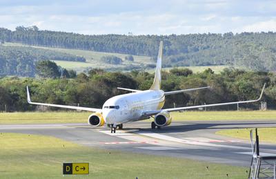 Flybondi cuestiona restricción horaria en aeropuerto argentino