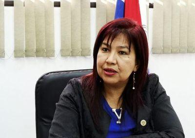 """UNA: rectora espera diálogo con López y niega """"nivelación VIP"""""""