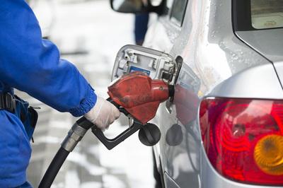 Agencia Energía dice que mercado petrolero cuenta con reservas suficientes