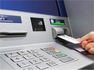 Hackeo a cajeros bancarios: ¿Cómo operan con esta modalidad?