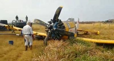 HOY / Avión argentino que combatía incendio en el Chaco tuvo que aterrizar de emergencia