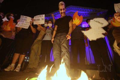 Arde Paraguay: exigen declarar emergencia nacional