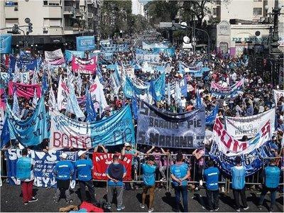 Argentina: Convierten en ley prórroga de emergencia alimentaria