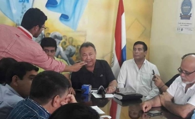HOY / Docentes harán huelga en noviembre por aumento salarial 2020
