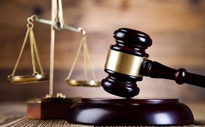 Condenan a 29 años de cárcel para un padrastro que abusó y torturó a una niña