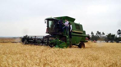 Piden al ministro de Agricultura abandonar asistencialismo político