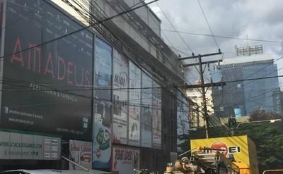"""Edificio y galería Jebai Center: antro y una verdadera """"Caja de Pandora"""""""