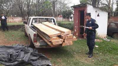 Detienen infraganti a hombre por tala ilegal de árboles en reserva forestal