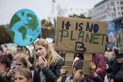 Centenares de miles de estudiantes lanzan huelga global contra el cambio climático