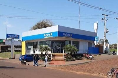 HOY /  Guardia frustró intento de asalto a Banco Regional de Itapúa