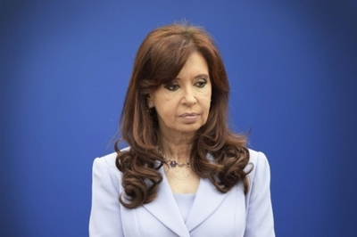 Envían a juicio a Cristina Fernández por causa de millonarios sobornos