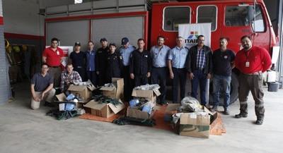 ITAIPU entregó equipos para combate de incendios forestales a bomberos del Chaco