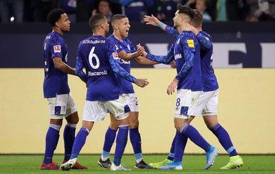 Schalke gana al Maguncia y alcanza al líder