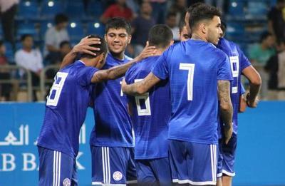 La Albirroja confirma amistosos con Serbia y Eslovaquia