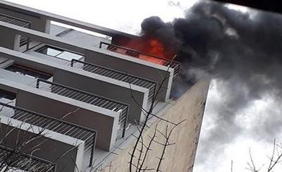 Joven provoca incendio al quemar cartas de su ex