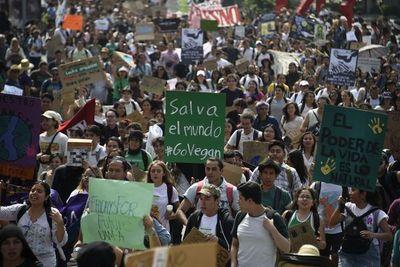 Juventud mundial marcha contra el cambio climático