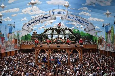 Abre la Oktoberfest de Múnich bajo un sol radiante