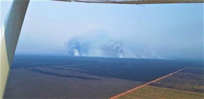 Humareda e incendios tiñen de negro la primavera en el Chaco