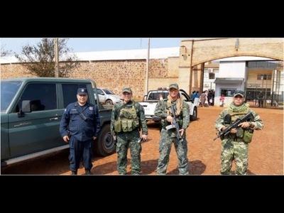 MILITARES SE INSTALARON FRENTE A CÁRCELES DEL PAÍS