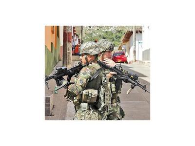 Disidentes de la guerrilla de las FARC atacan sede de Fiscalía en Colombia
