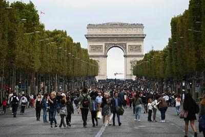 Más de 150 detenidos en jornada de manifestaciones en París