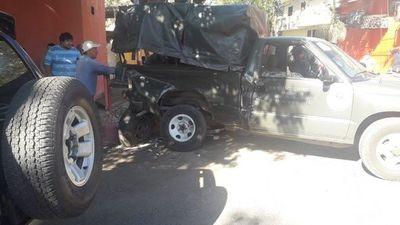 Militar y quinielero resultan heridos tras accidente