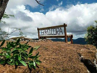 Mujer falleció tras caer desde la cima del Cerro Cora