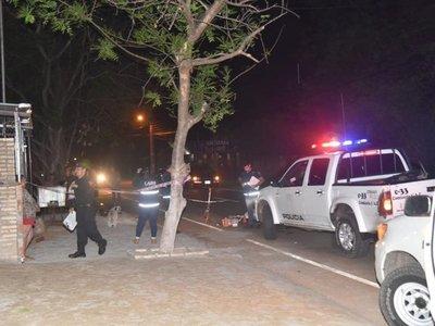 Mujer cayó al pavimento y murió arrollada