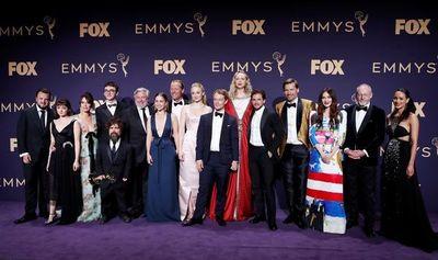 """""""Game of Thrones"""" triunfa pero no brilla en los Emmy de las sorpresas"""