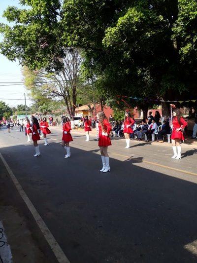 Barcequillo tuvo su desfile estudiantil