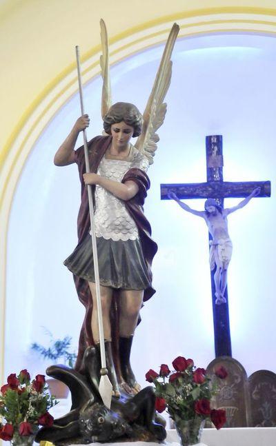 Comenzaron los festejos en honor a San Miguel Arcángel