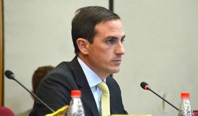 HOY / Rasmussen cuestiona pedido de Villamayor: nada para equipos, solo para sueldos