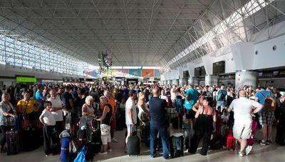 El Reino Unido repatría a 16.800 pasajeros tras el colapso de Thomas Cook