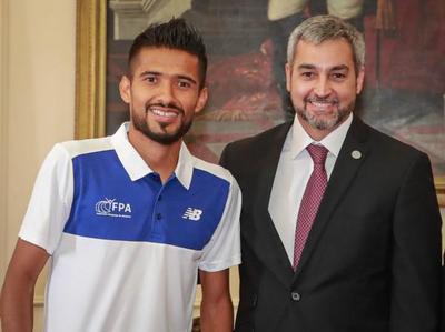 Ejecutivo se compromete a apoyar preparación de Derlis Ayala con miras a los Juegos Olímpicos Tokio 2020