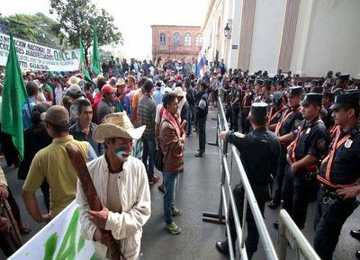 Gremios policiales instalaron escenario de reivindicaciones