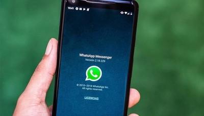 WhatsApp ya permite compartir sus estados con Facebook