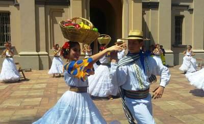 Invitan al festival internacional de Danzas •