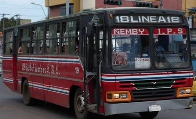 HOY / Transportistas molestos advierten con paro si siguen operando buses chatarra
