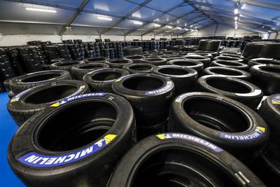 Michelin cierra una planta de neumáticos en Alemania con 858 empleados