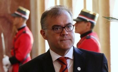 HOY / Ullón se desmarca y dice que no autorizó reunión de CEO con Abdo