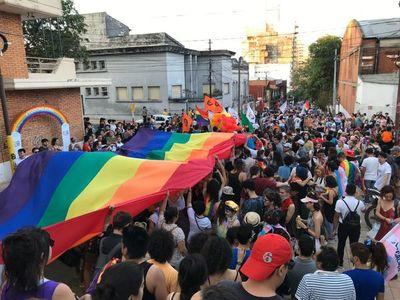 Cumple 60 años la primera expresión gay en Paraguay