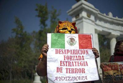 """Caso Ayotzinapa: """"Desaparición forzada por agentes del Estado"""""""