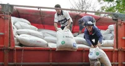 Pobladores de Yaguareté Forest reciben asistencia para apuntalar producción lechera