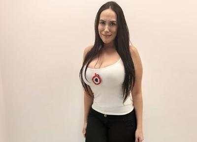 Destrozan a Silvia Flores tras parodiar a Marly Figueredo
