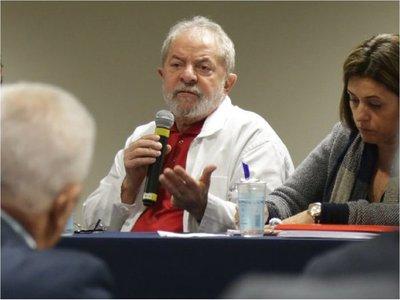 Fiscales piden que Lula cumpla condena en régimen semiabierto