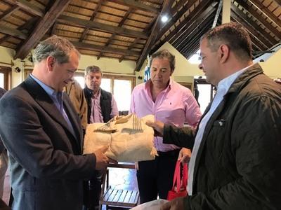 Delegación oficial visitó Uruguay con interés en importar genética ovina de alta calidad