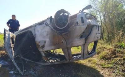 Hallan vehículo incendiado en Minga Guazú