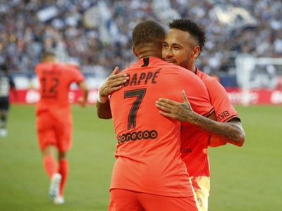 El PSG triunfa en el regreso de Mbappé